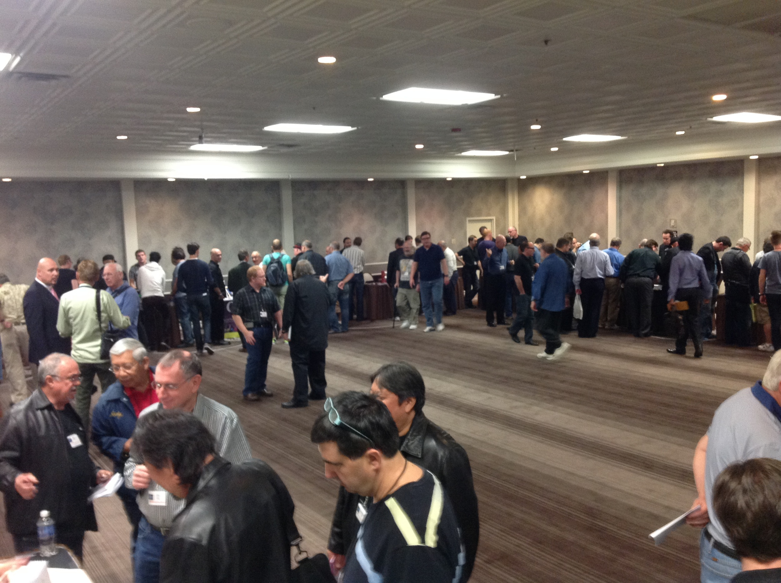 Dealers' Room early Sunday Afternoon