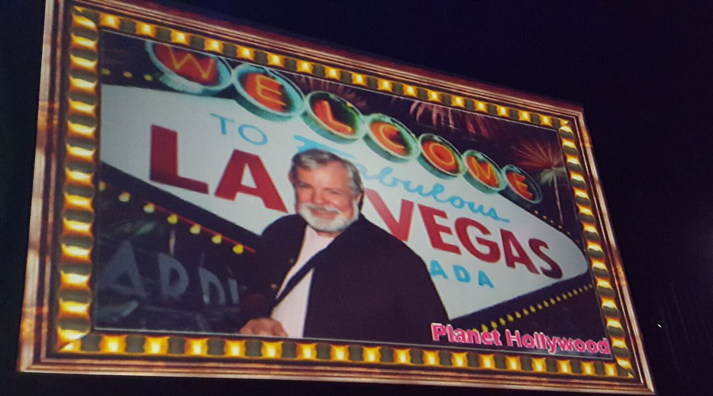 Scott Wells on the Marquee