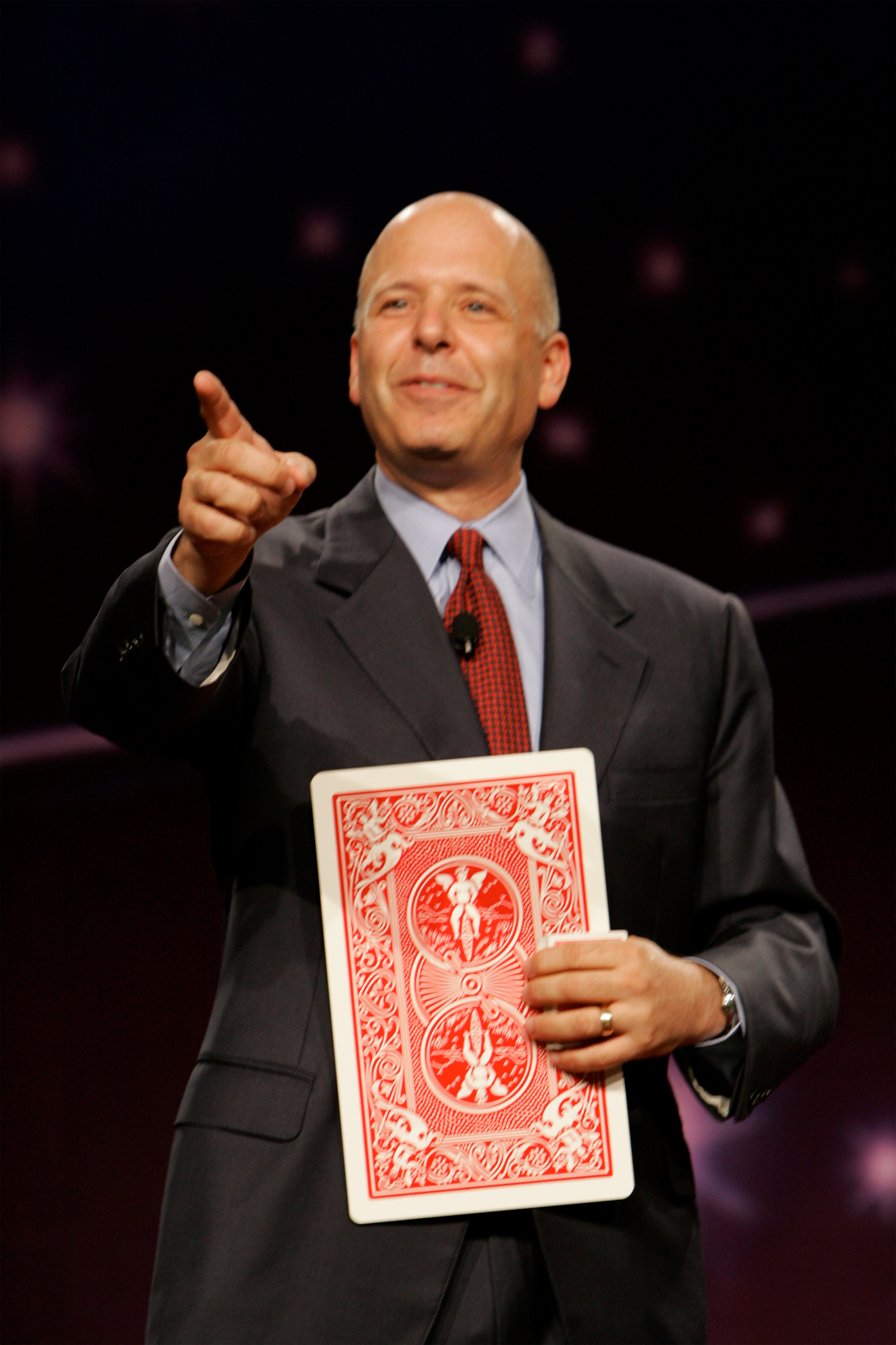shep-hyken with card.jpg