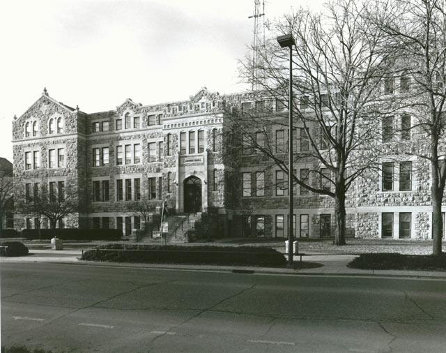 Campus of KU-Marvin Hall