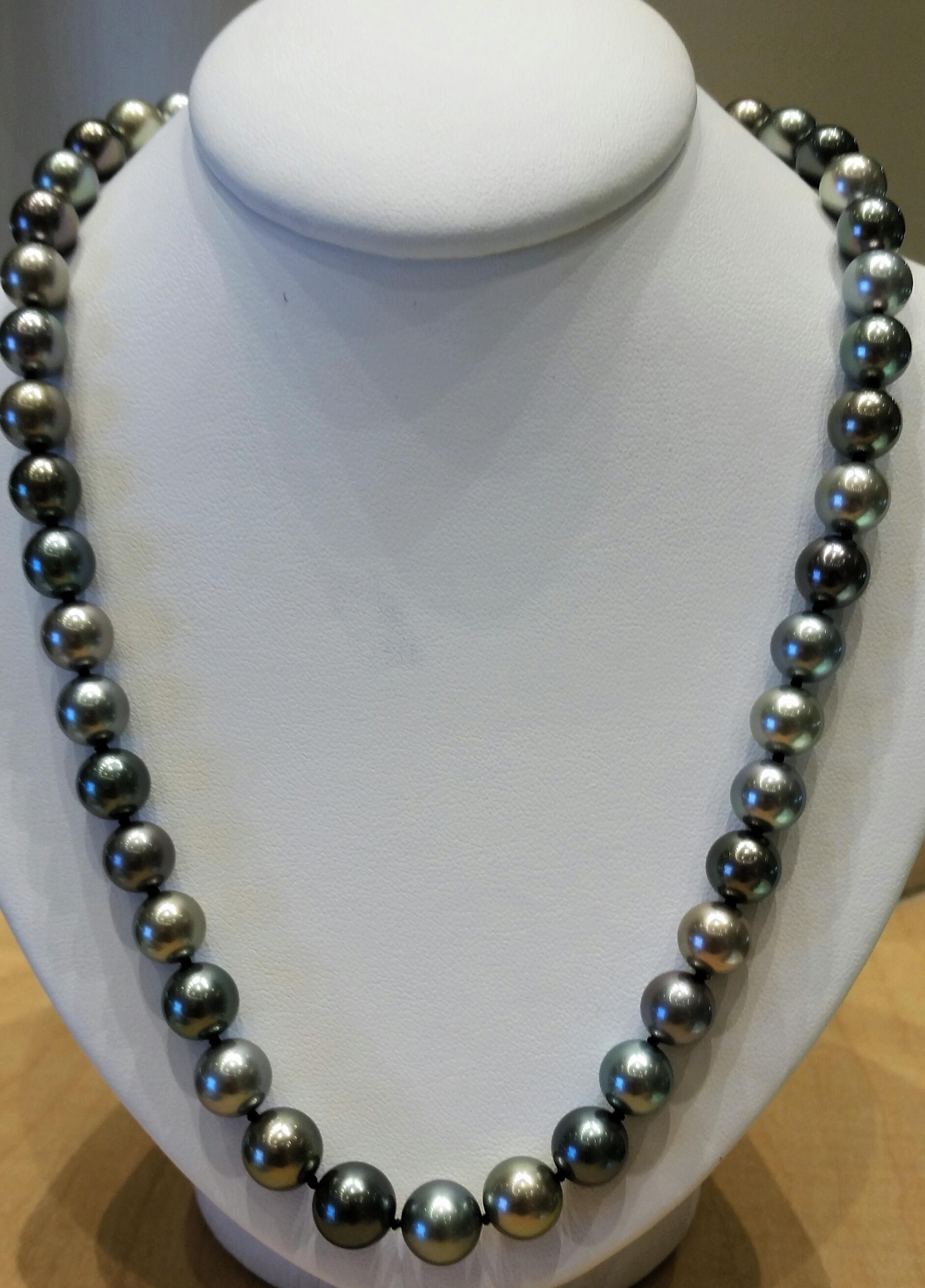 8-10mm Round Black and Gray Tahitian Pearl Strand