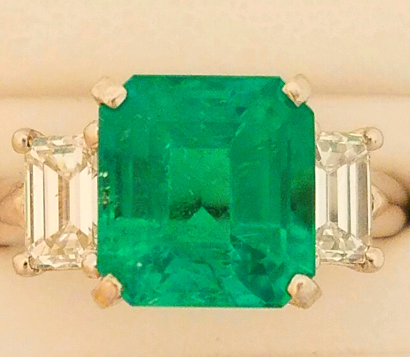 An emerald pendant makes a lovely gift for someone with a May birthday!