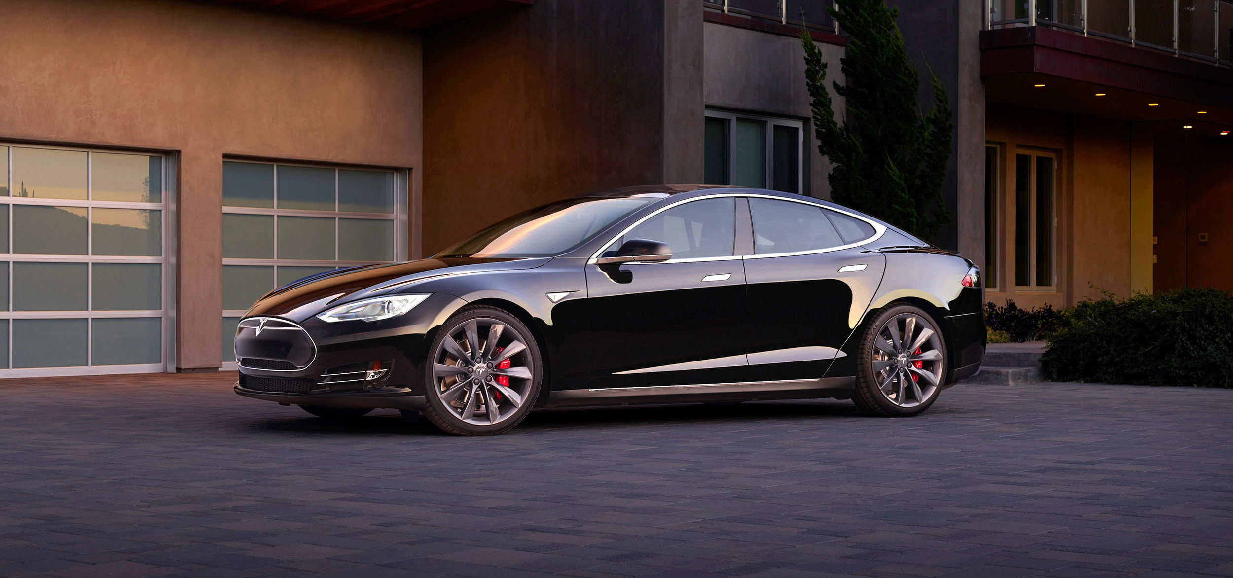 The test drive car pretty much looked like this. Image © Tesla Motors, because too dark for own photos