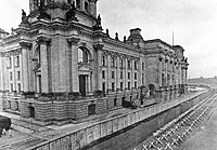 The Reichstag was in West Germany. The Berlin Wall lies directly behind it.