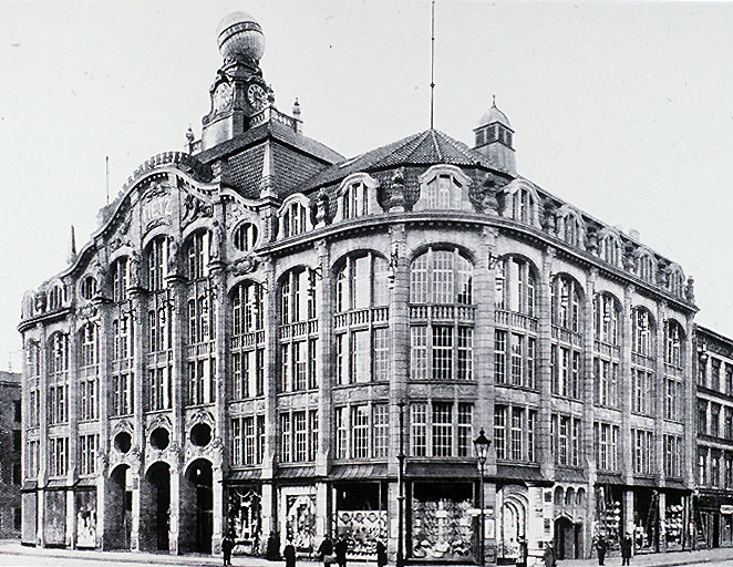 Kaufhaus Tietz on Alexanderplatz, photographed here in 1911. Franz Biberkopf often stood outside this luxury building, selling small goods or, more often than not, just passing time. Photo credit:  creative commons.