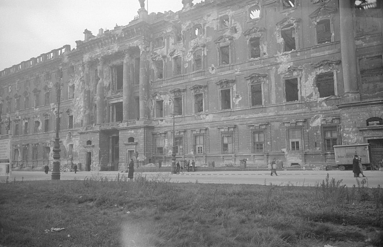The heavily damaged Berlin Palace some time between 1945 and 1950. Photo credit:  Creative Commons.