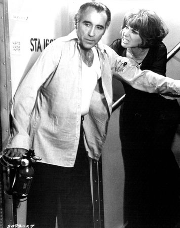 Lee in Airport 1977 with onscreen spouse the silver tongued Lee Grant