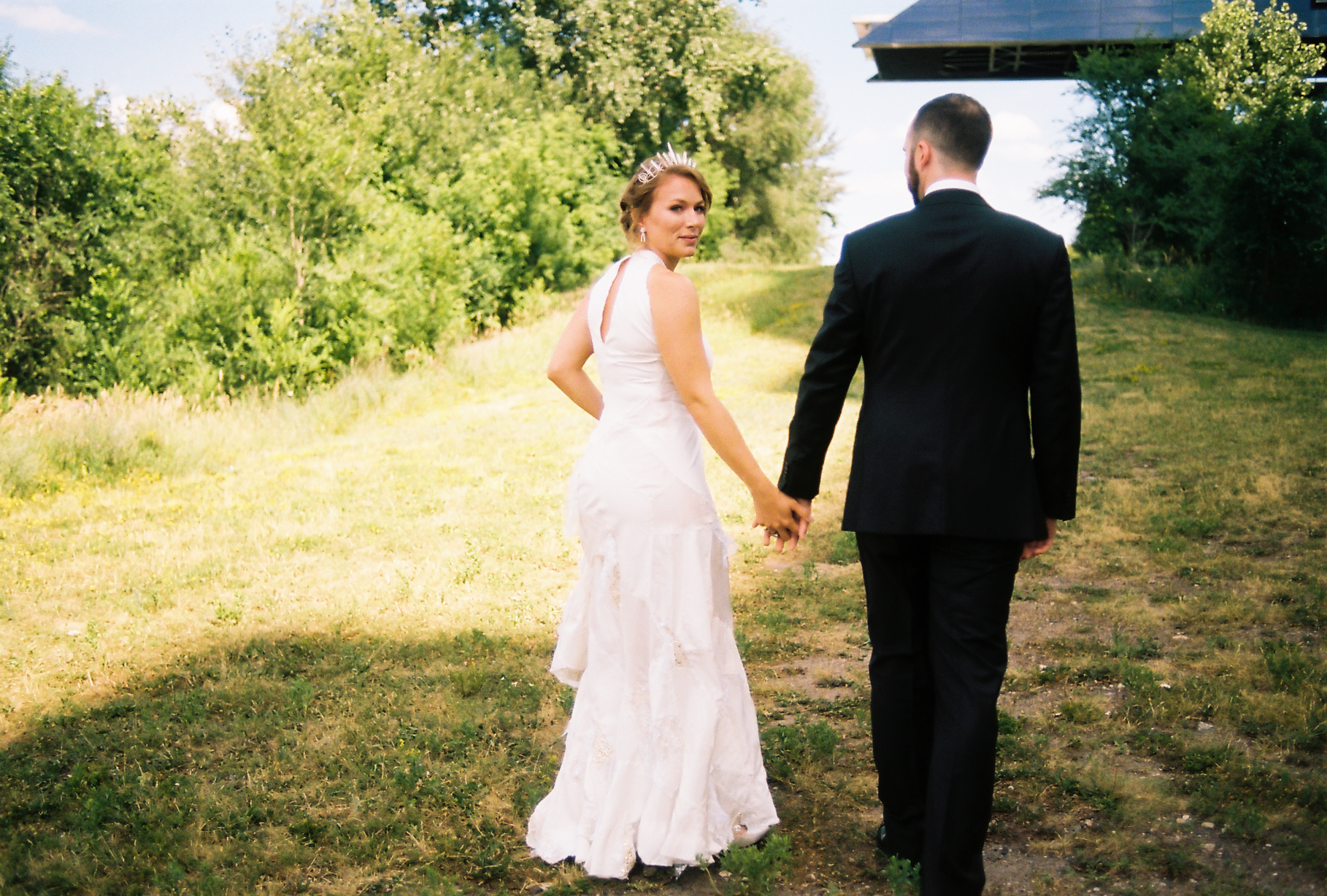 Enchanted Twin Cities Mill City Museum wedding in the summer by NYLONSADDLE Photography.