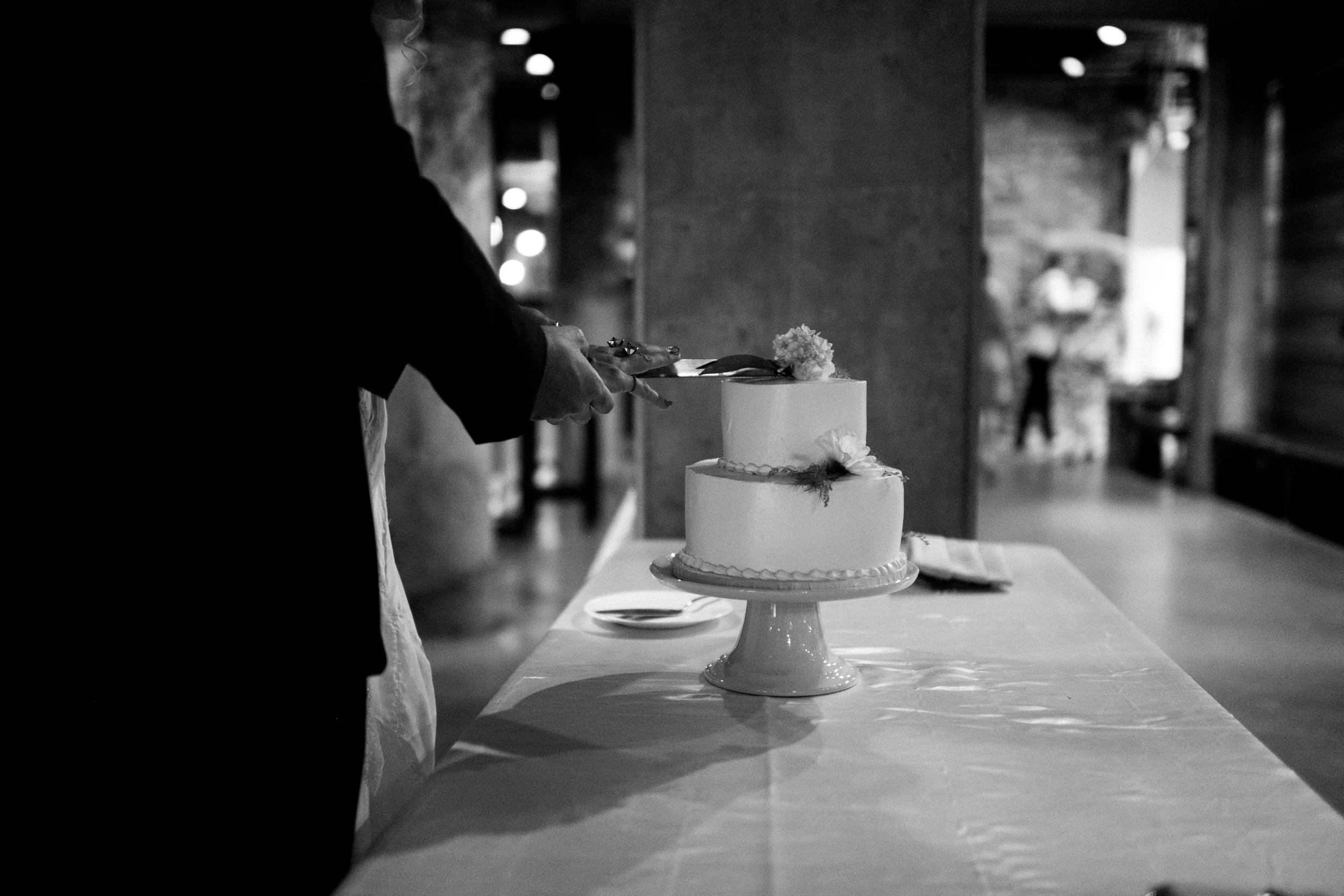 Twin Cities Mill City Museum Summer Wedding by NYLONSADDLE Photography I Capturing real images to tell love stories