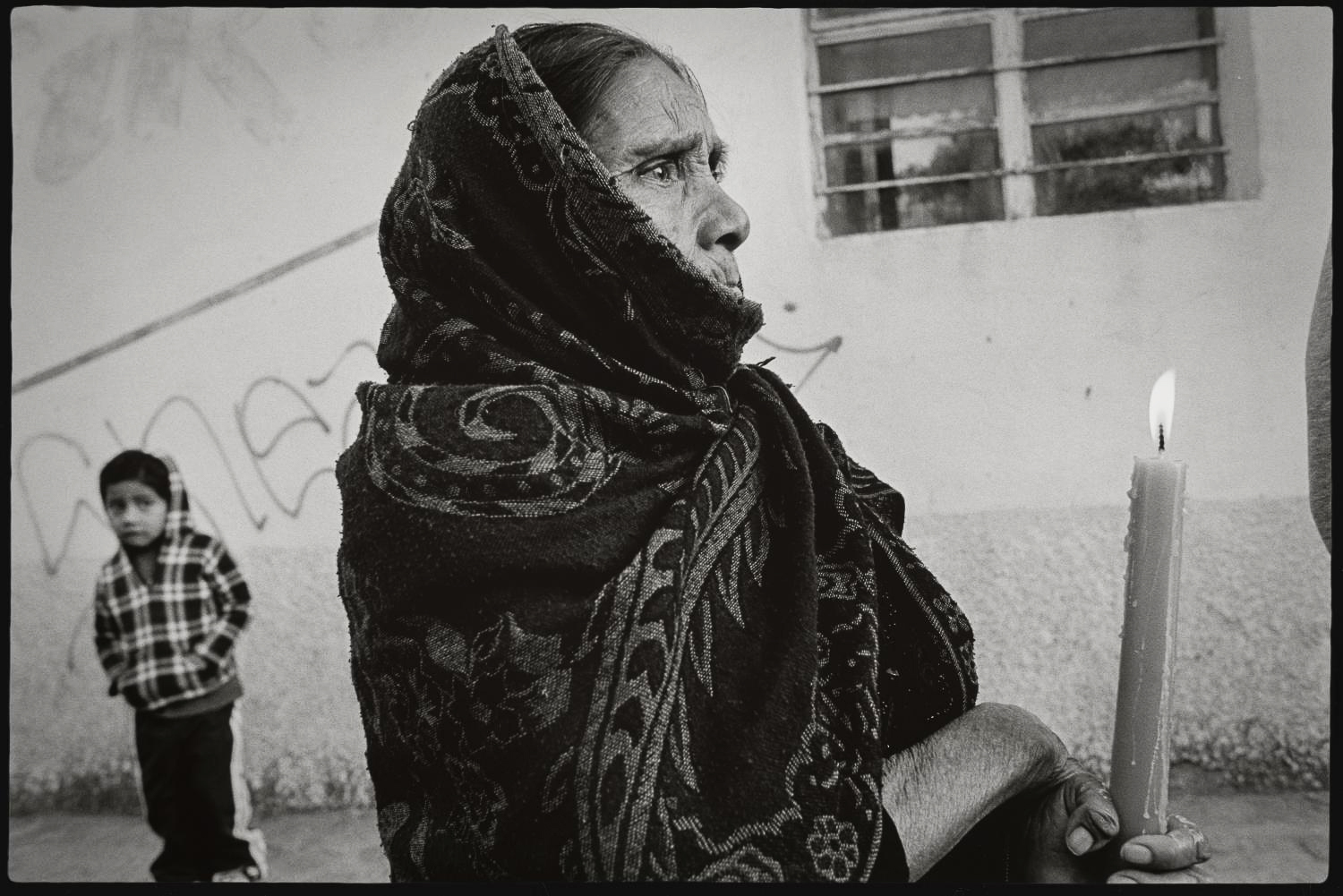 2_Woman in procession I, Teotitlan del Valle_2015.jpg