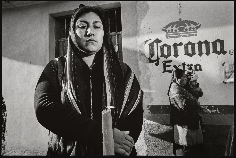 7_Woman in procession II, Teotitlan del Valle_2015.jpg