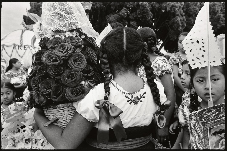 9_Girls at the Festival de la Preciosa Sangre de Cristo, Teotitlan del Valle_2011.jpg