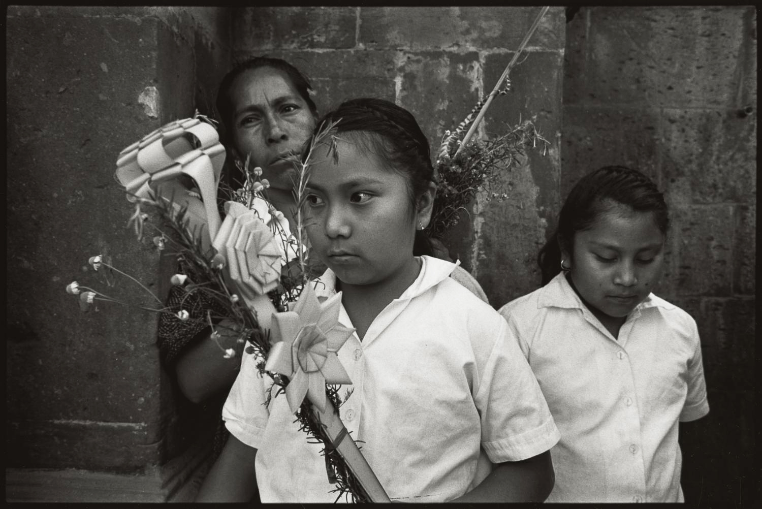 17_Mother and daughters, Palm Sunday, San Miguel de Allende_2017.jpg