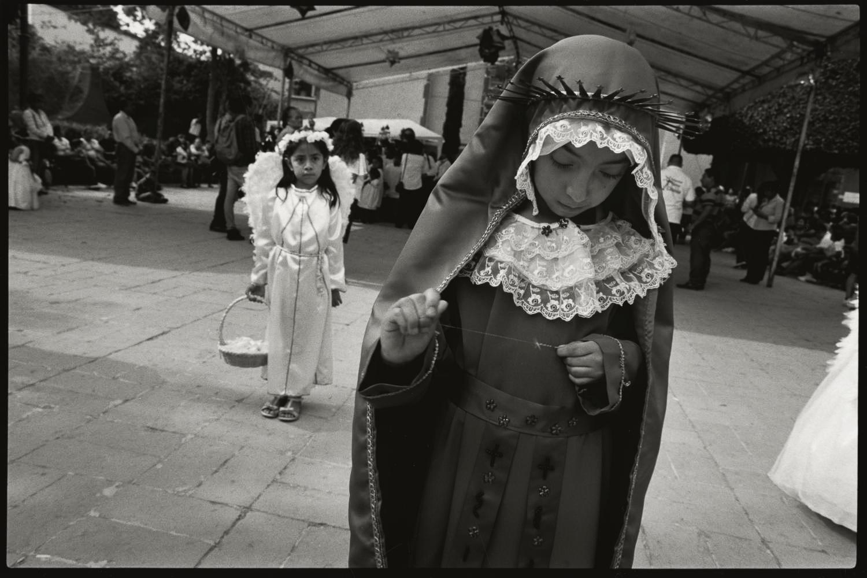 23_Madonna and thread, San Miguel de Allende_2017.jpg