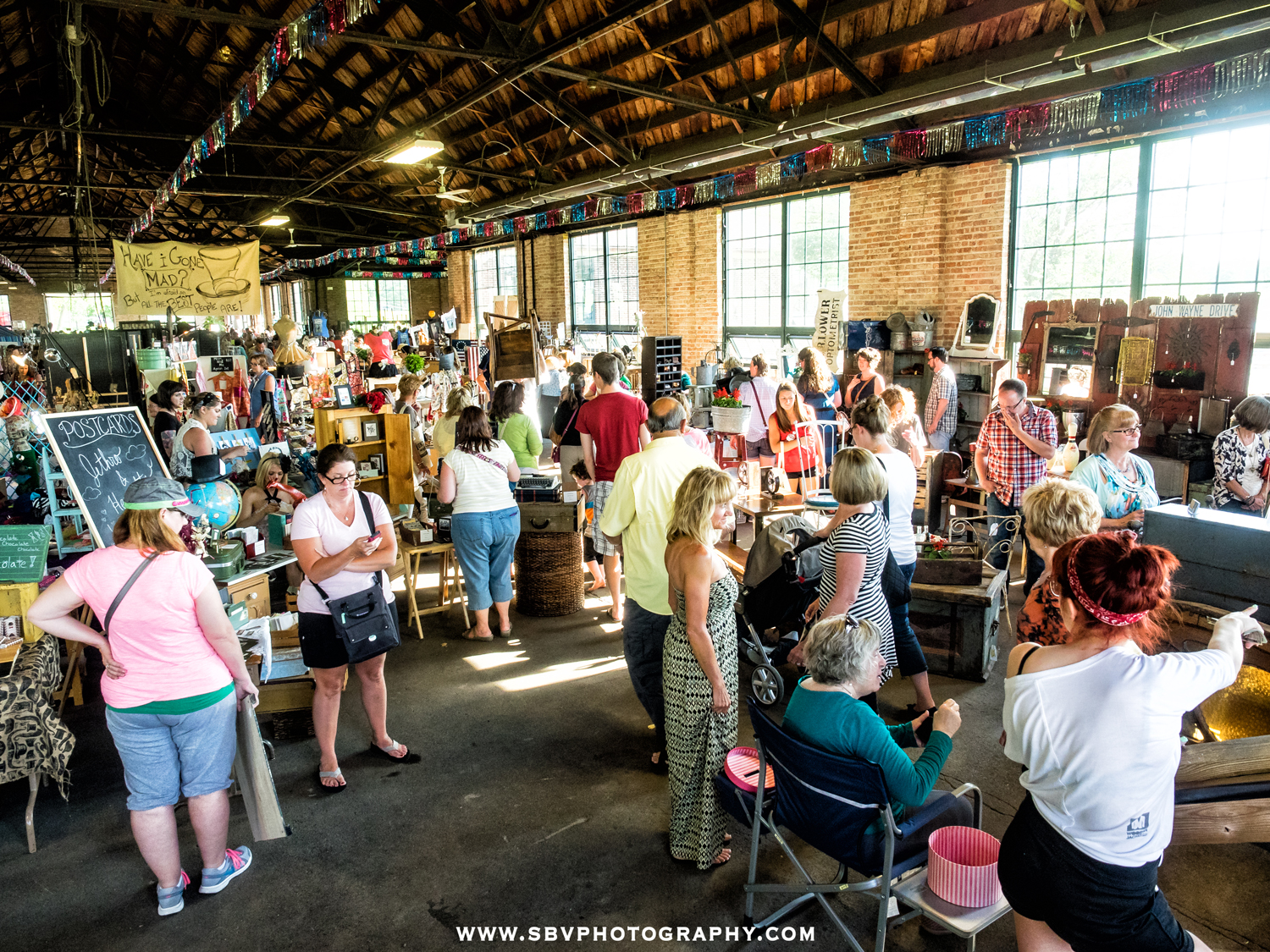A large crowd shops at Hunt and Gather 2014.