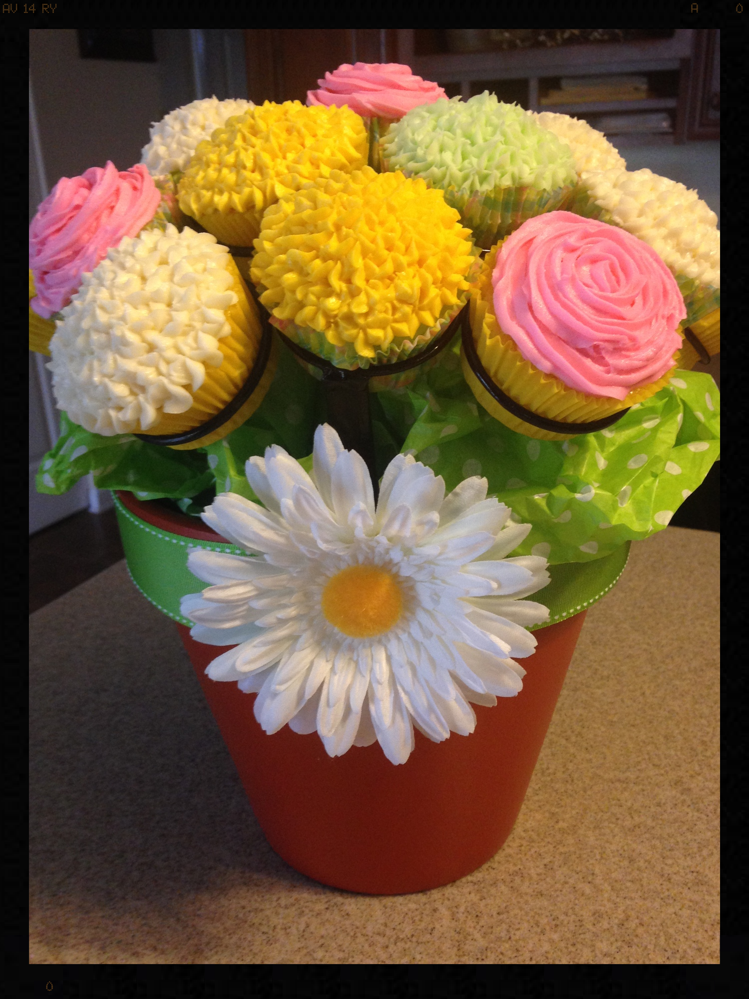 Oh my goodness Billie Jo! You weren't kidding when you told us you were making a cupcake bouquet! Your talent for decorating cupcakes is outstanding! Thank you for sharing your cupcake bouquet photo with us! I love this bouquet!