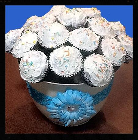 Brenda's Cupcake Bouquet using The Cupcake Rack!
