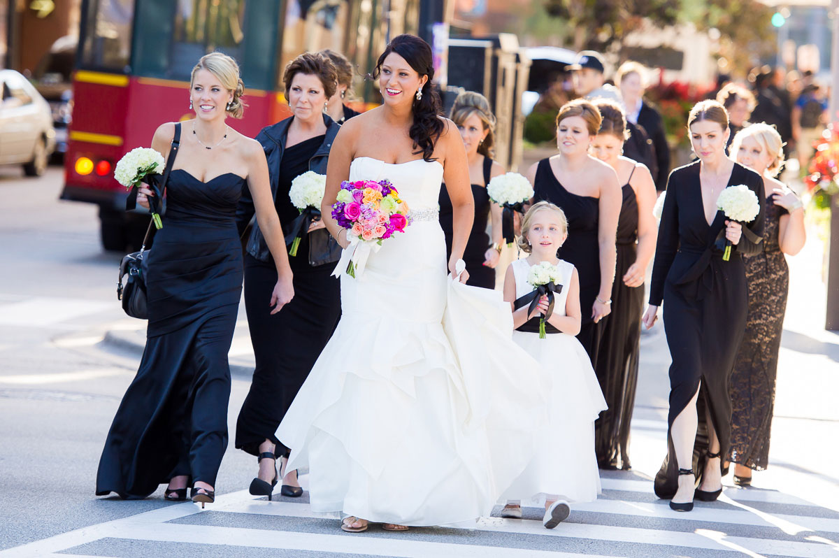 Brides crosses Michigan Avenue for the first look with the groom at Grant Park Chicago.