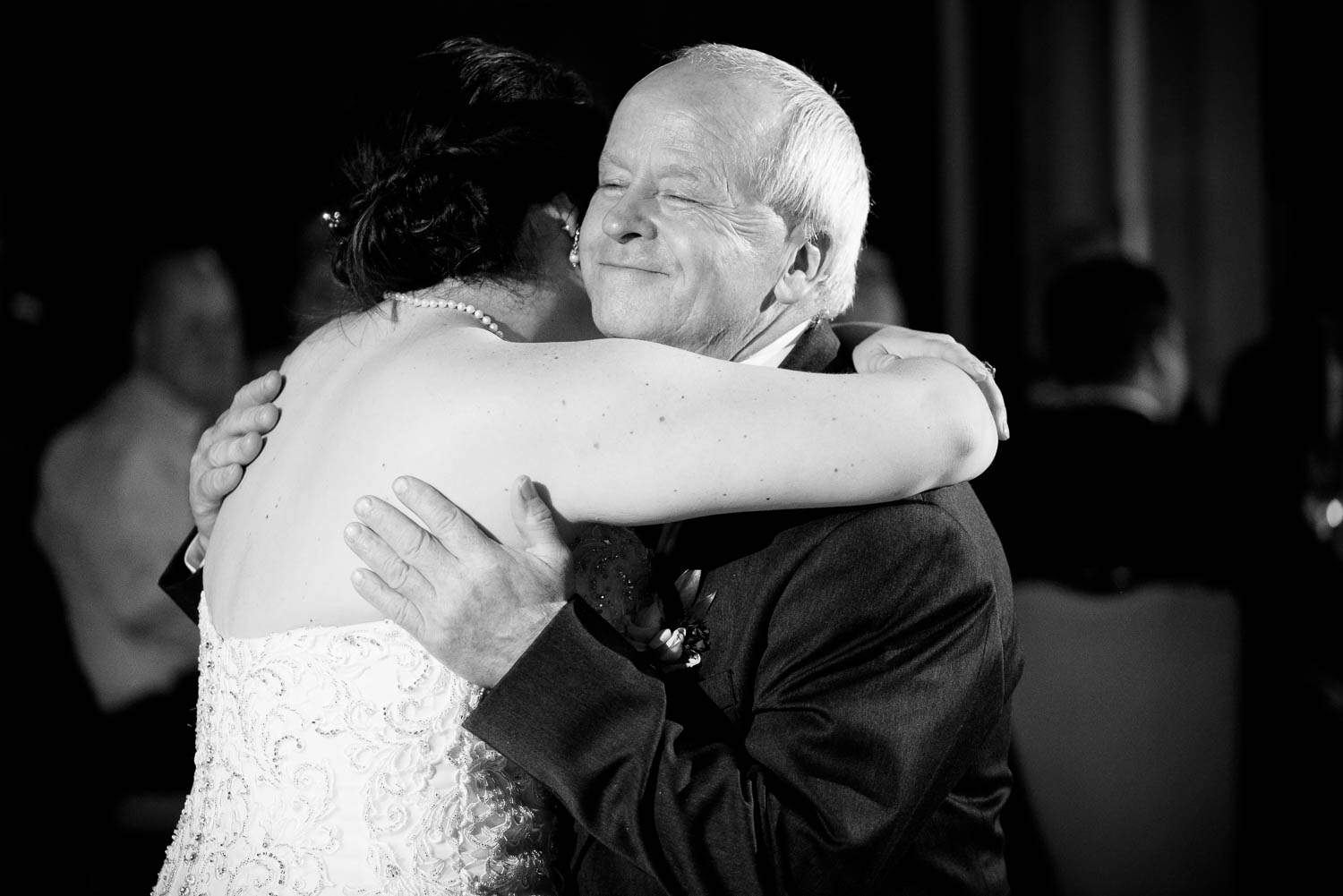 Father-daughter dance during a University Club of Chicago wedding.