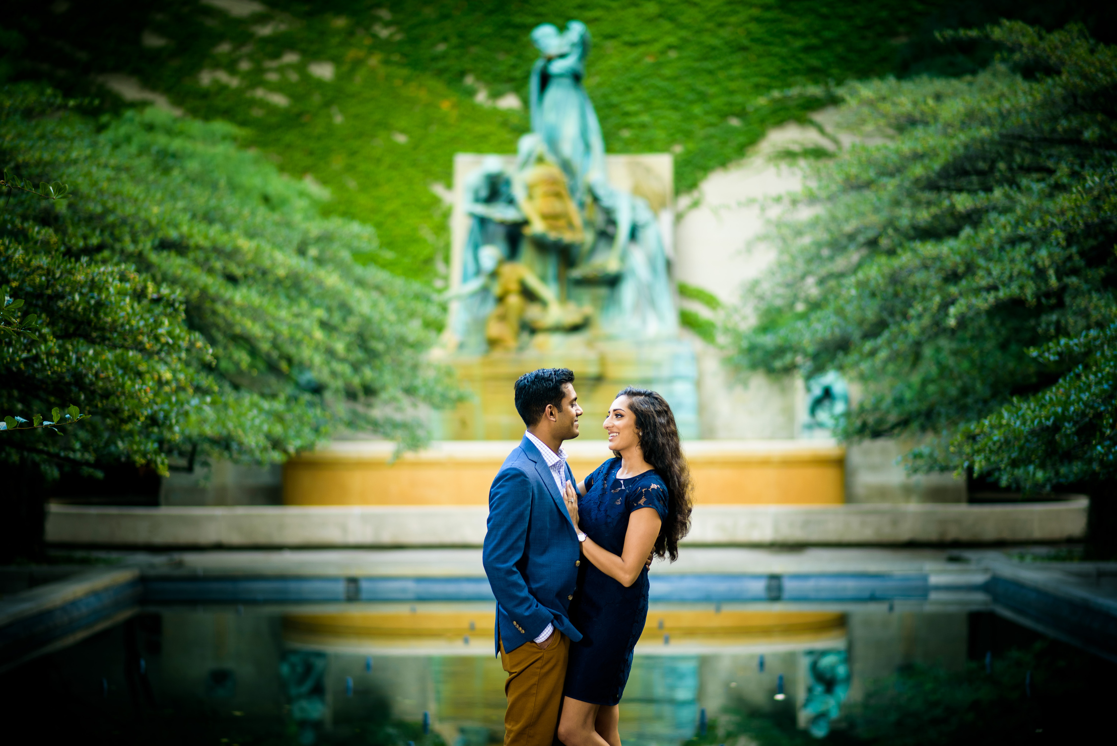 Chicago engagement session at the Art Institute South Gardens.