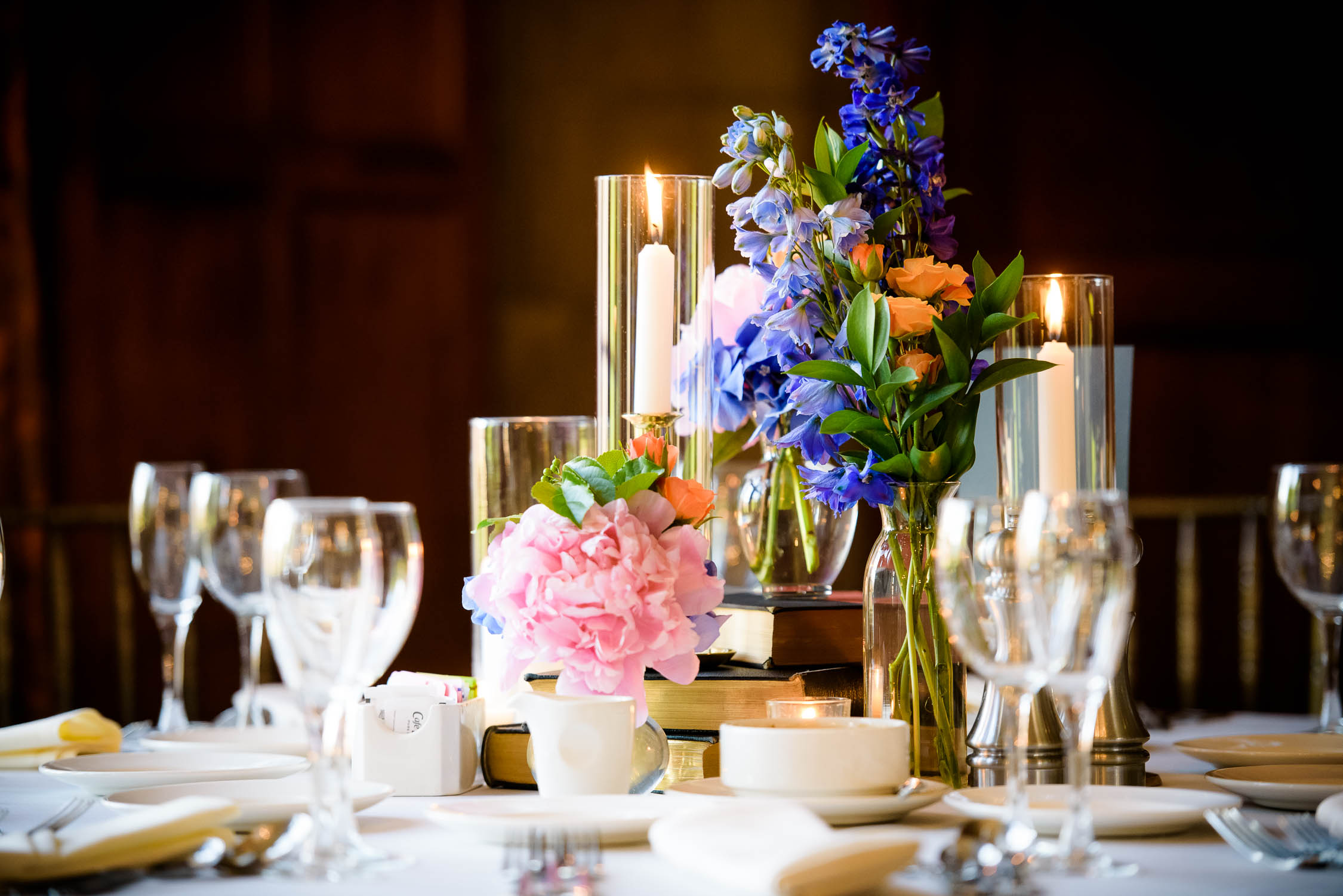 Floral and table setting by A Stem Above for a wedding at the Quadrangle Club of Chicago.