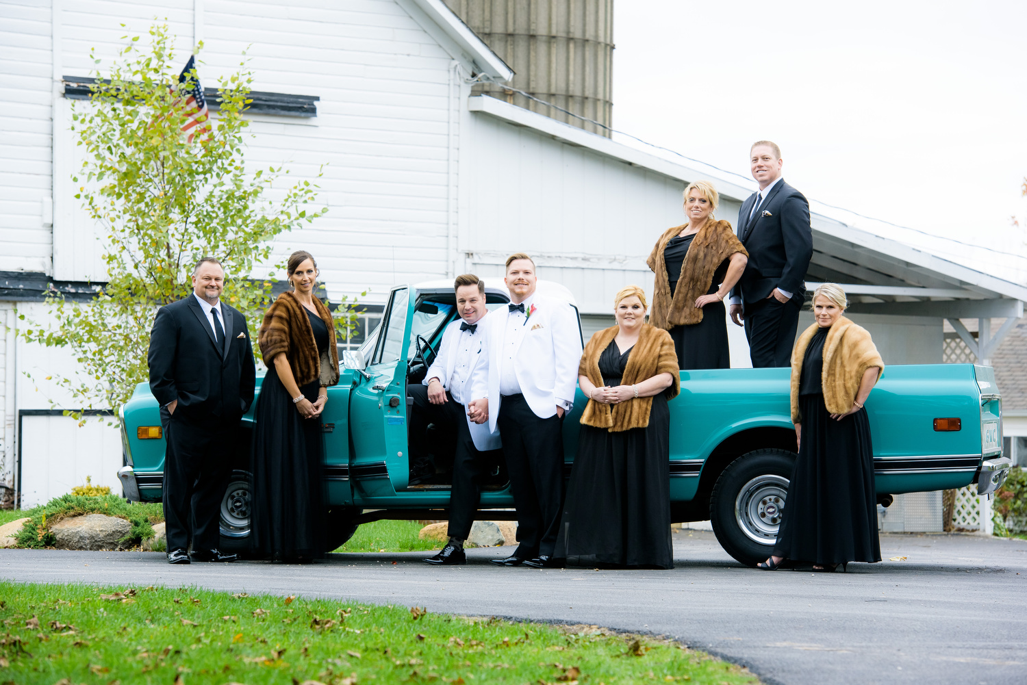 Wedding party photo at Heritage Prairie Farm.