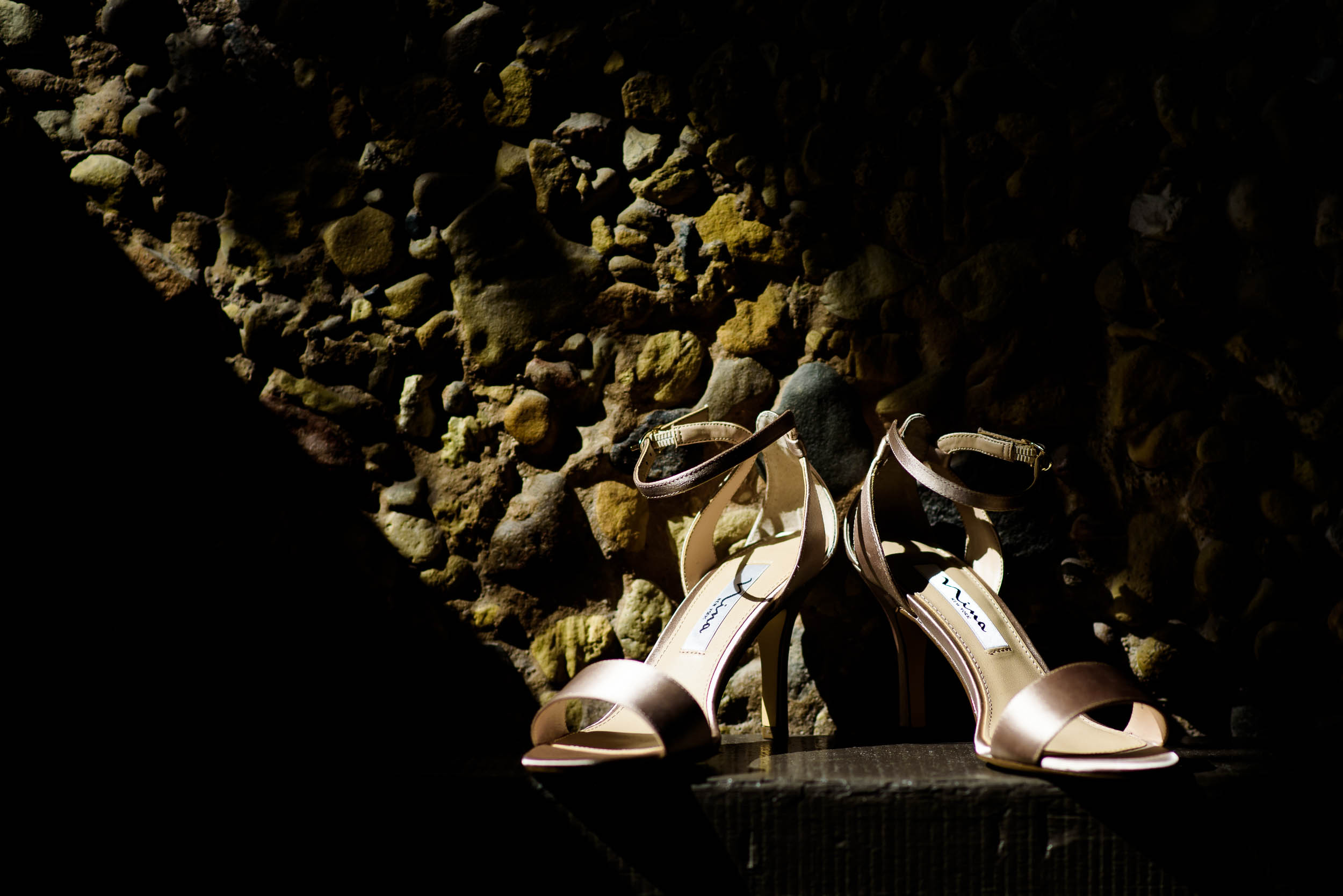 Bridal shoes for Grand Geneve Resort Fall Chicago Wedding captured by J. Brown Photography. Visit jbrownphotography.com for more wedding inspiration!
