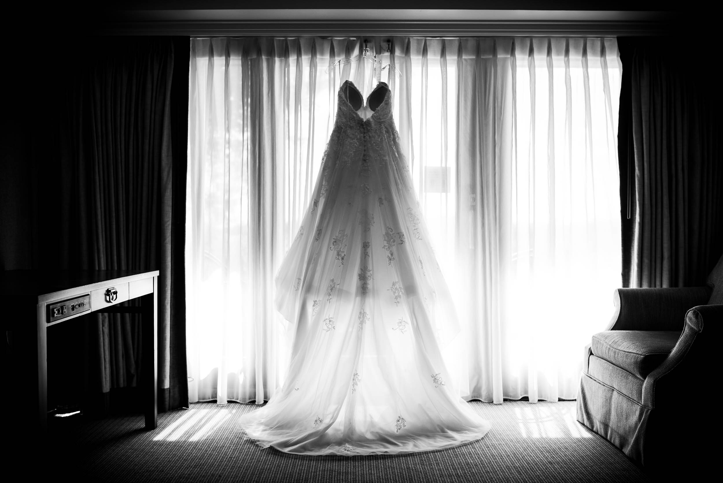 Wedding dress for Grand Geneve Resort Fall Chicago Wedding captured by J. Brown Photography. Visit jbrownphotography.com for more wedding inspiration!