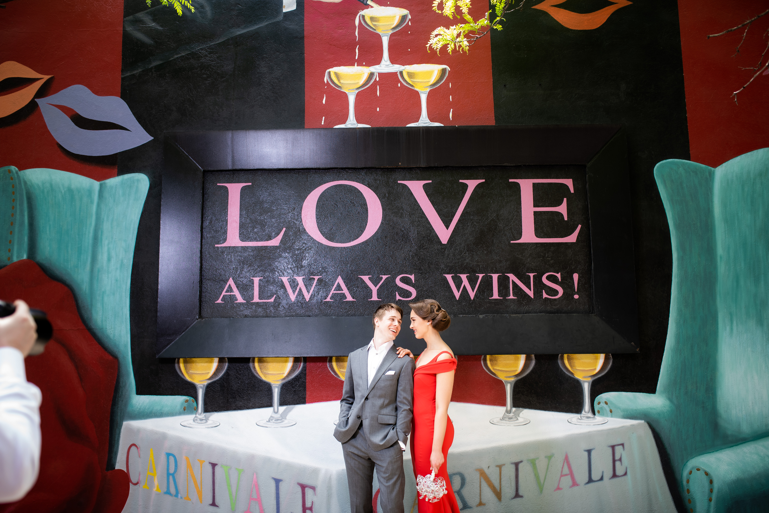 Vibrant wedding inspiration: Carnivale Chicago wedding captured by J Brown Photography