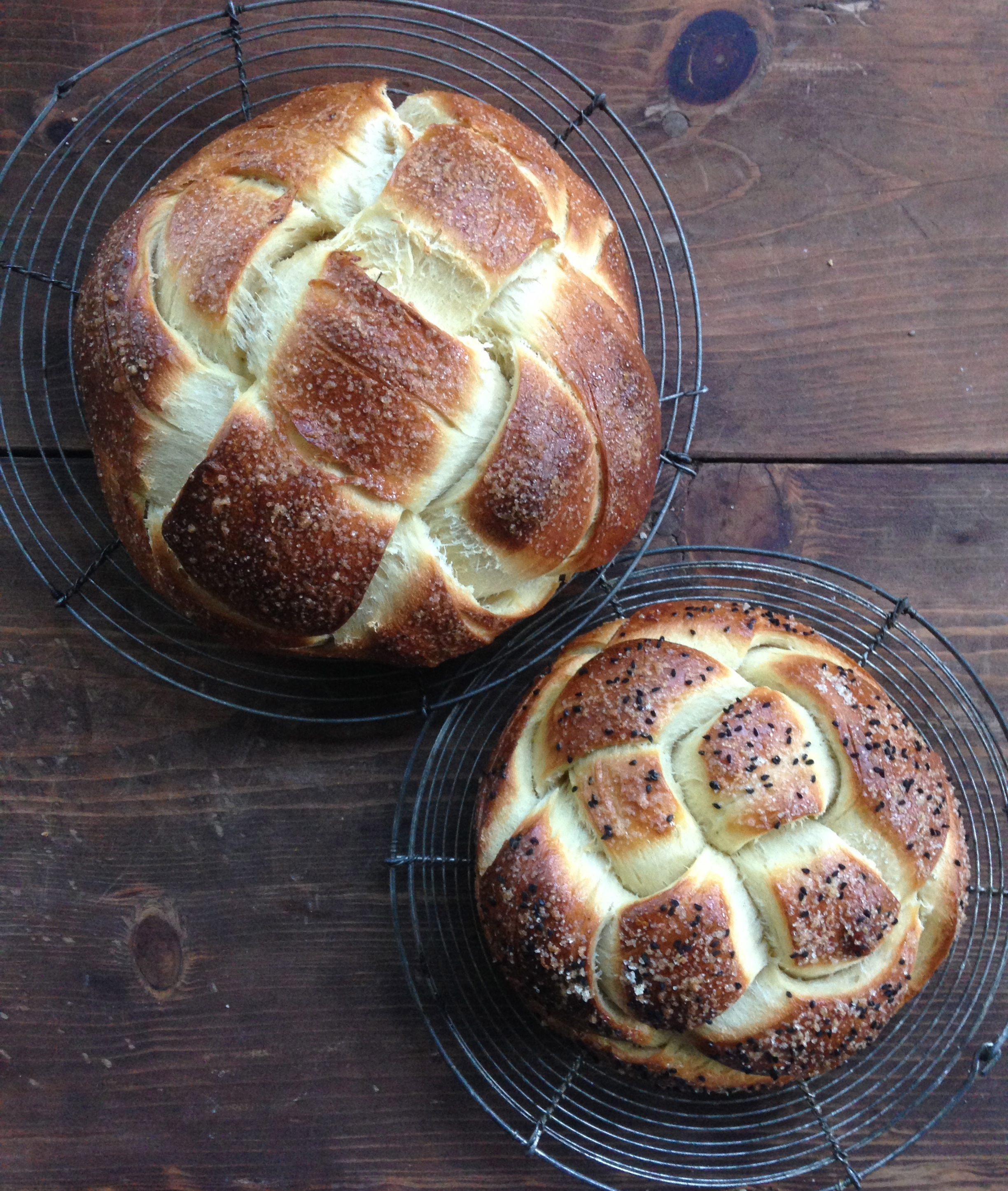 Four and six strand braided round Challah