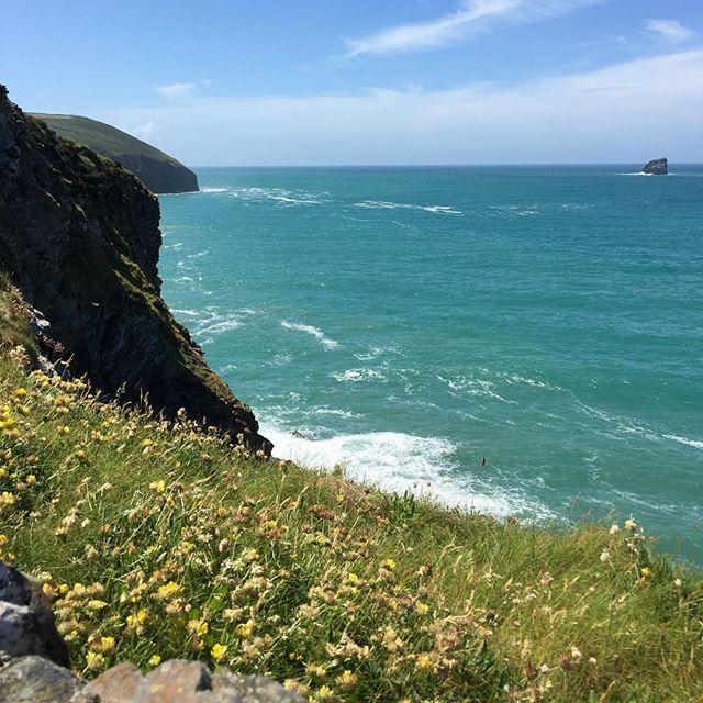 Spectacular views along the Cornish coast. #cornwall #stagnes #coastalwalk
