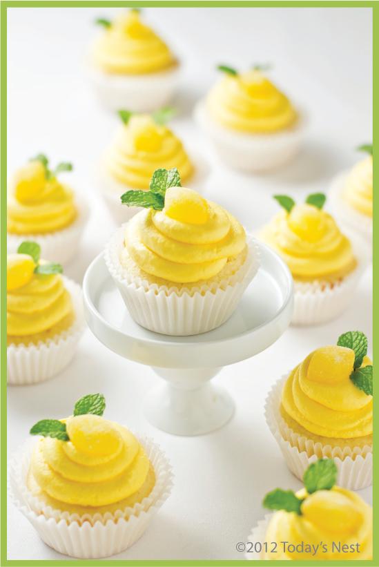 lolas lemon cupcakes 5.jpg