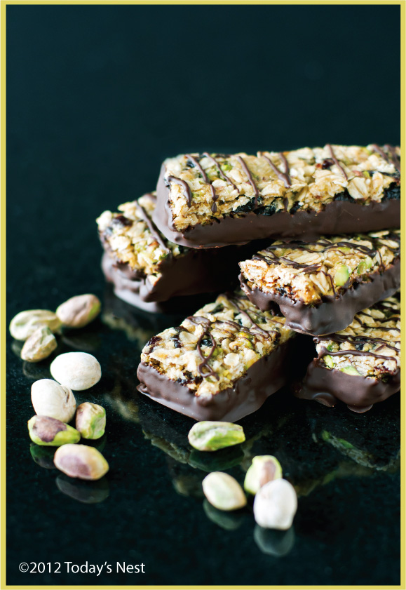 chewy-chocolate-cherry-oat-bar3.jpg
