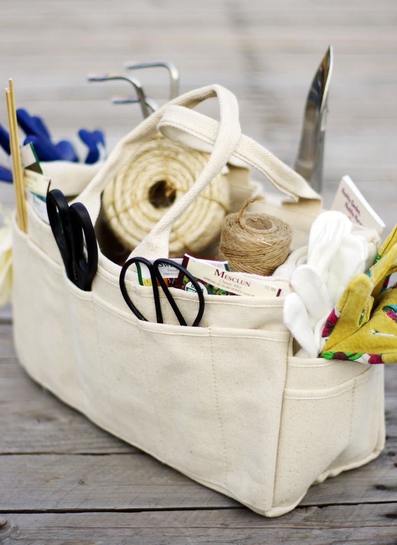 lola-digs-great-garden-tote-a-giveaway1.jpg