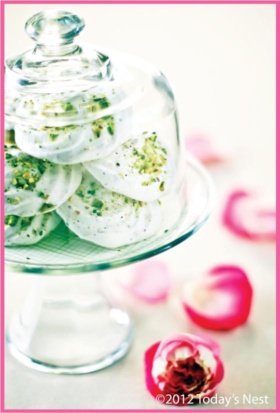 treat-of-the-week-pistachio-meringues-with-rose-cream3.jpg