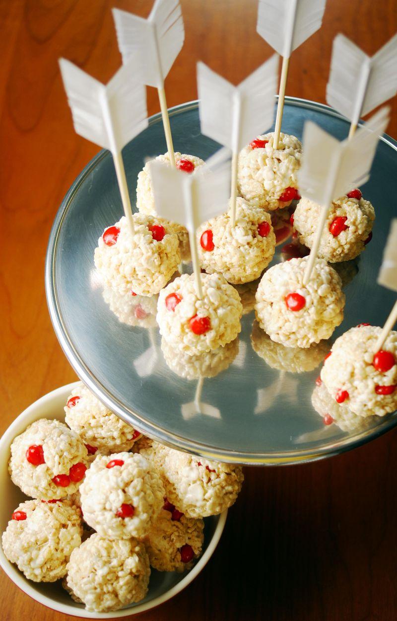 bullseye-cupids-crispie-treats4.jpg