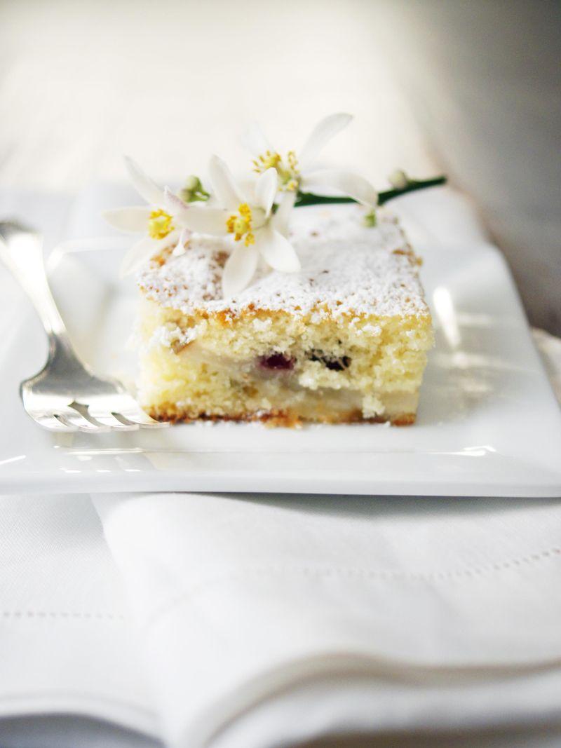 treat-of-the-week-dutch-pearberry-cake1.jpg