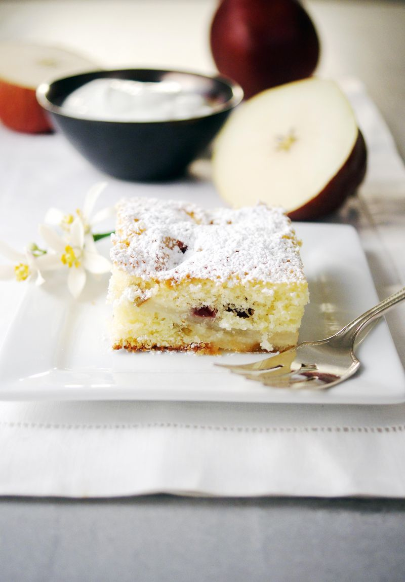 treat-of-the-week-dutch-pearberry-cake2.jpg