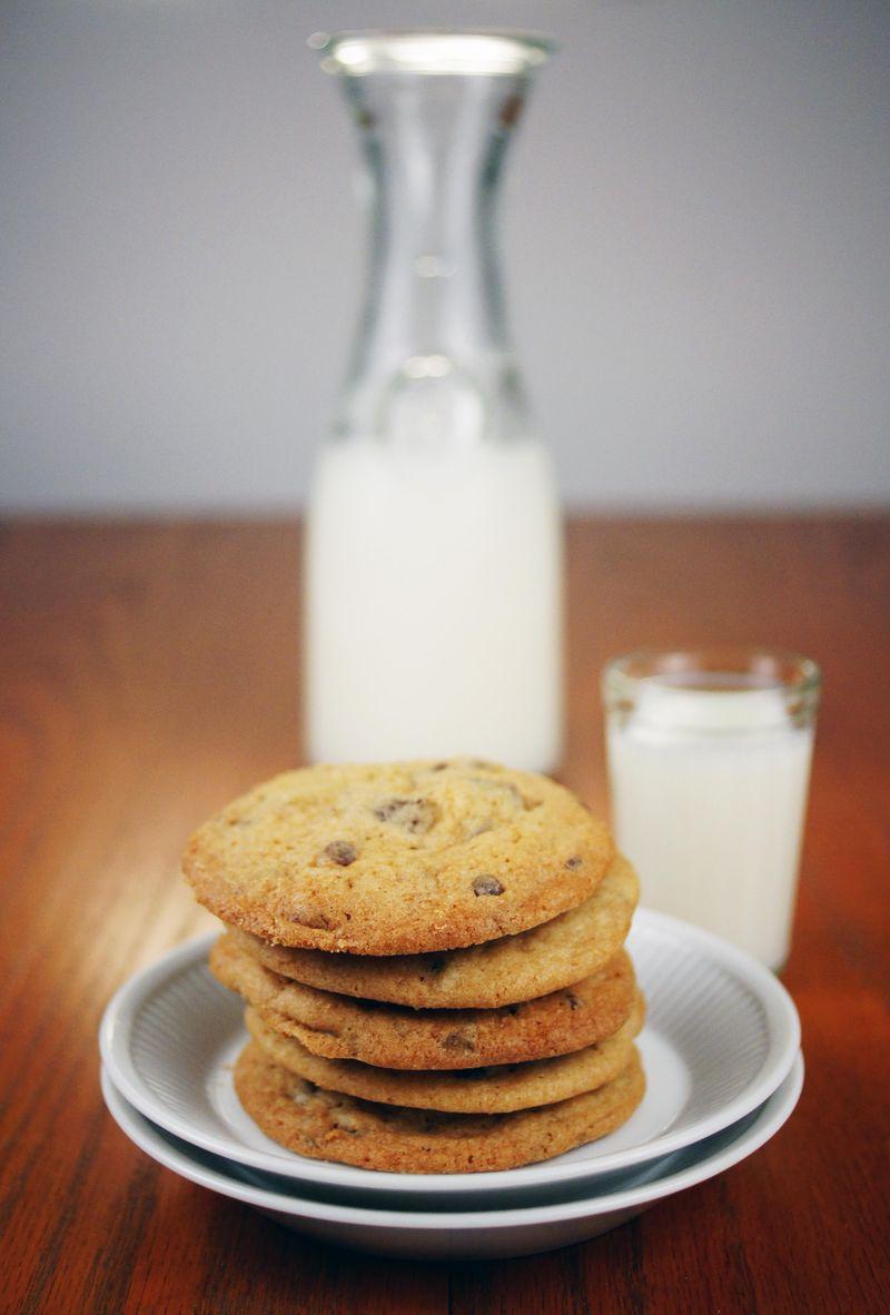 cookie-week-day-3-chocolate-chip-cookie2.jpg