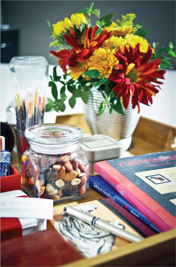 companys-coming-guest-room-essentials3.jpg