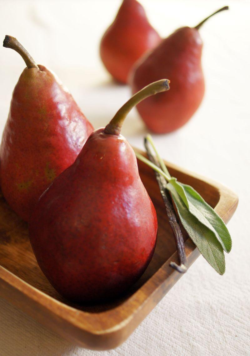 treat-of-the-week-poached-pears-in-vanilla-sage-wine-sauce2.jpg