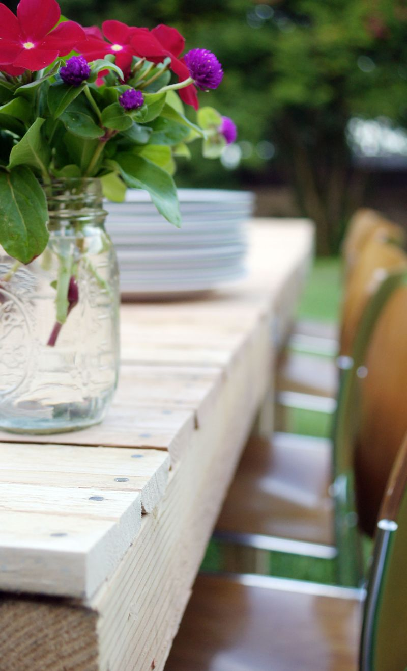 paletteable-patio-diy-picnictable1.jpg