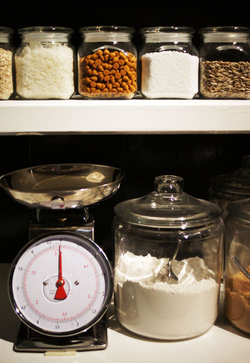 the-right-stuff-pantry-organization-and-checklist3.jpg