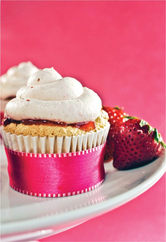 treat-of-the-week-angel-food-cupcakes3.jpg