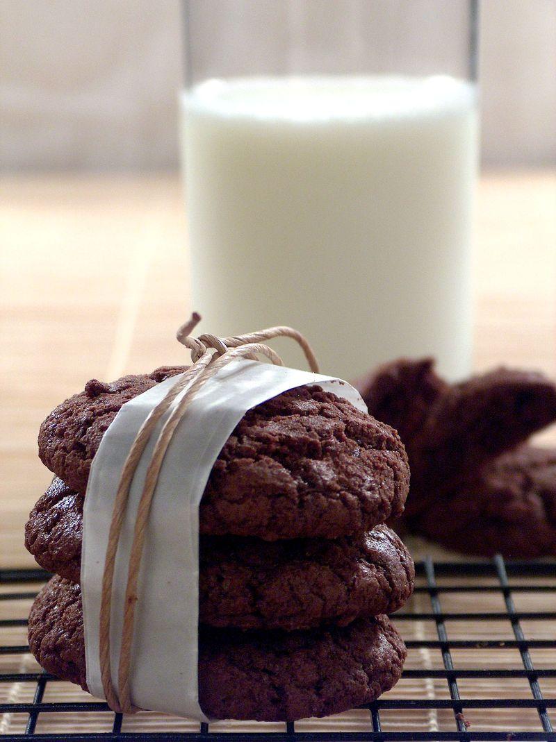 treat-of-the-week-chewysoft-chocolate-fudge-cookie1.jpg