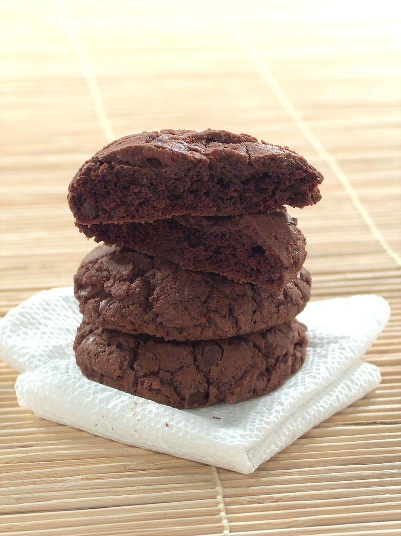 treat-of-the-week-chewysoft-chocolate-fudge-cookie2.jpg
