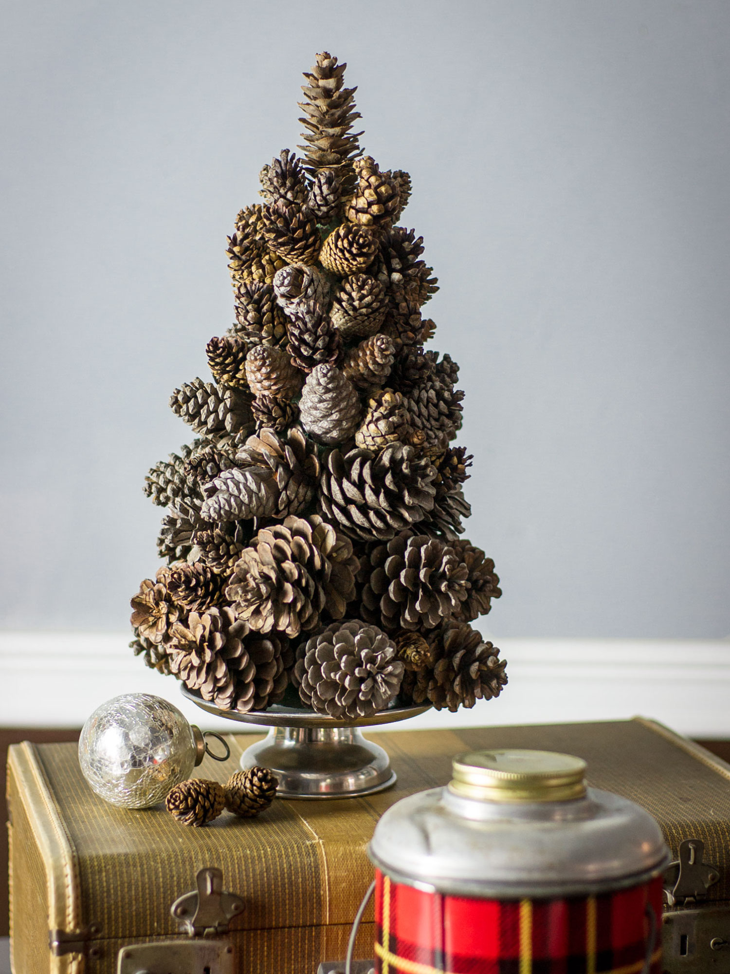 Holiday Pine Cone Tree by Sam Henderson of Today's Nest for HGTVGardens.