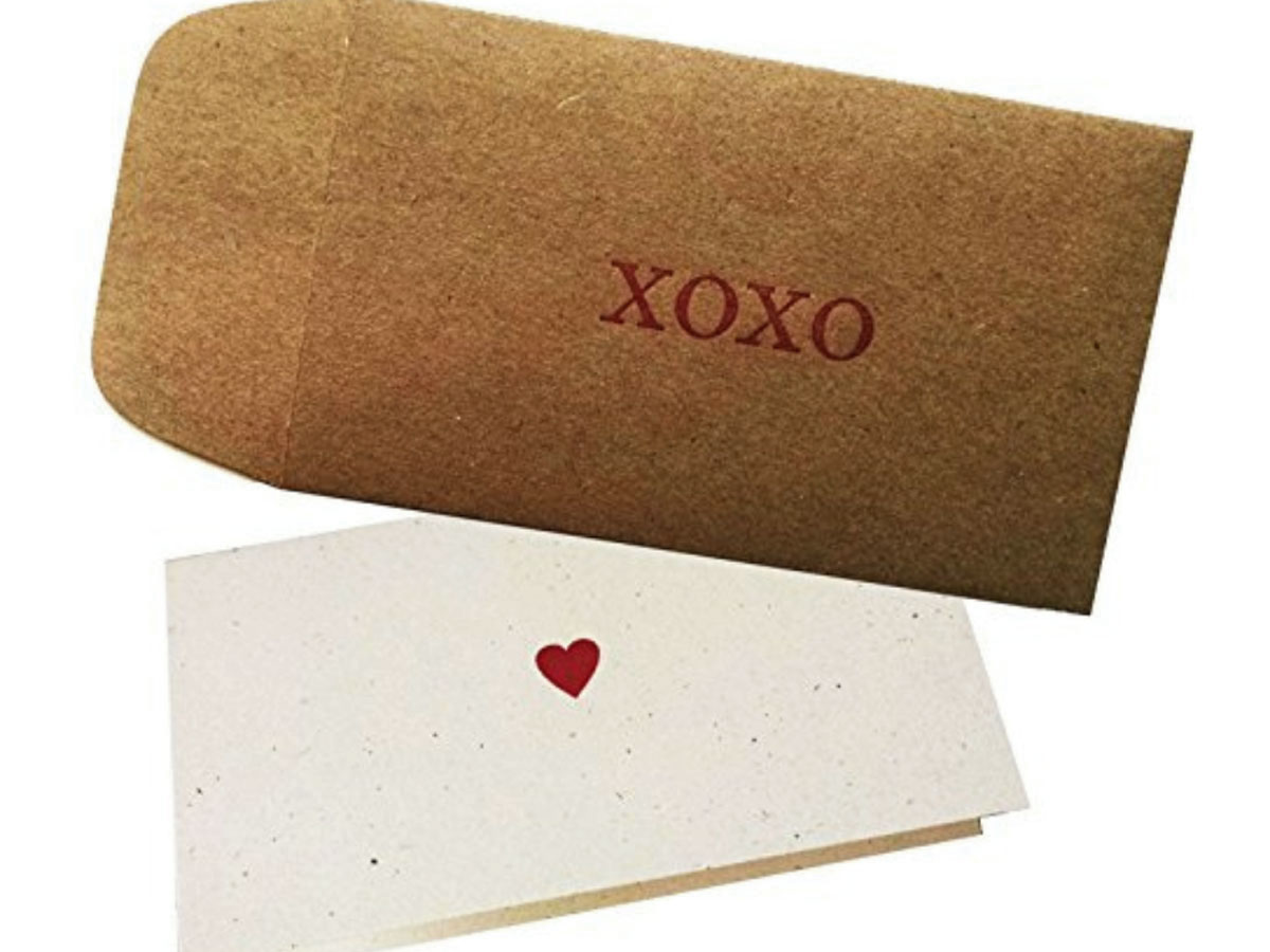 XOXO ENVELOPE AND HEART CARD