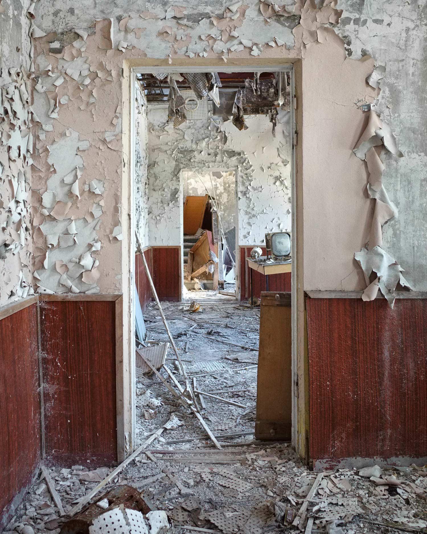 264_chernobyl_Chernobyl2_ControlCenter_w.jpg