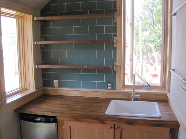 Portland ADU - tiny house - kitchenette